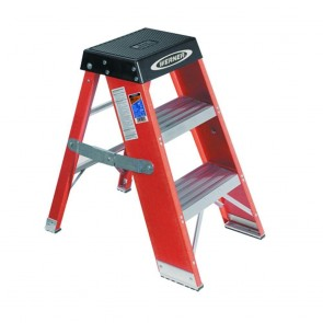 Werner 3ft Type IAA Fiberglass Step Stand